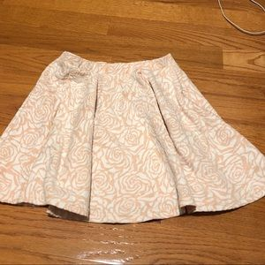 Rose patterned pink skirt! Size medium